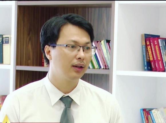Vụ Chi cục trưởng Dân số Tuyên Quang túm cổ CSGT: Có đủ căn cứ khởi tố hình sự? - Ảnh 3.