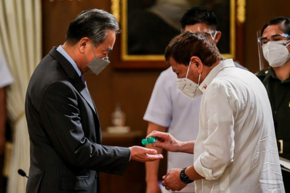 Vì sao Philippines bất ngờ hủy bỏ hợp đồng 10 tỉ USD của công ty Trung Quốc? ảnh 3