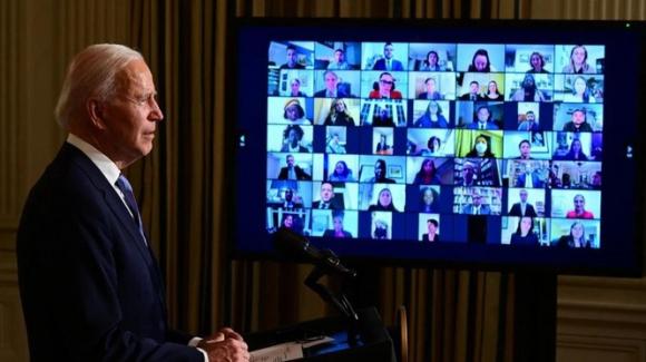 Tổng thống Biden đã sa thải hoặc yêu cầu từ chức đối với nhiều quan chức dưới thời Trump (Ảnh: AFP)