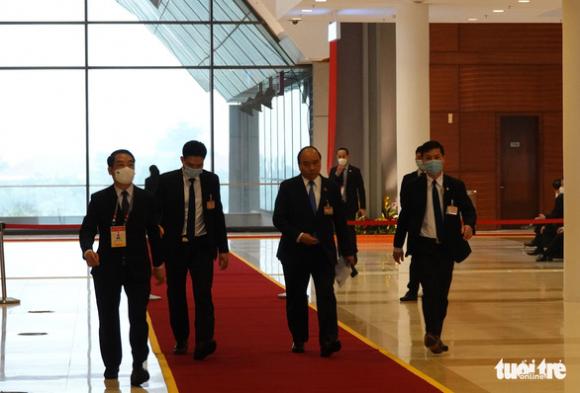 Thủ tướng họp khẩn về COVID-19 ngay tại phòng họp ở Đại hội Đảng XIII - Ảnh 6.
