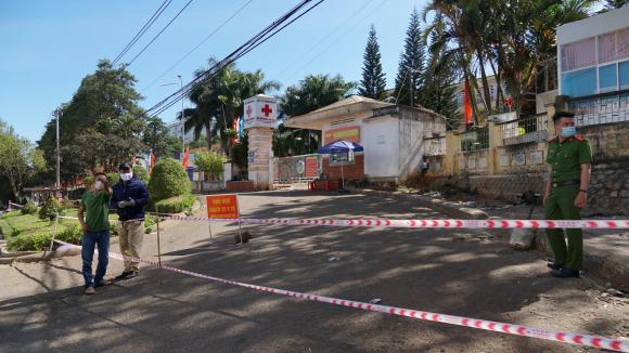 Covid-19: Gia Lai mở cửa trở lại Bệnh viện Đa khoa tỉnh - Ảnh 1.