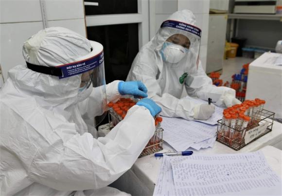 Bình Dương xuất hiện ca bệnh 'trùm lây nhiễm' - 1
