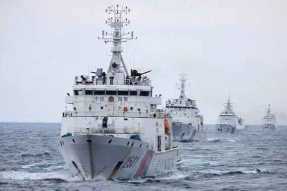 Tàu hải cảnh Trung Quốc được cho là trang bị vòi rồng 76mm. Ảnh: Kyodo