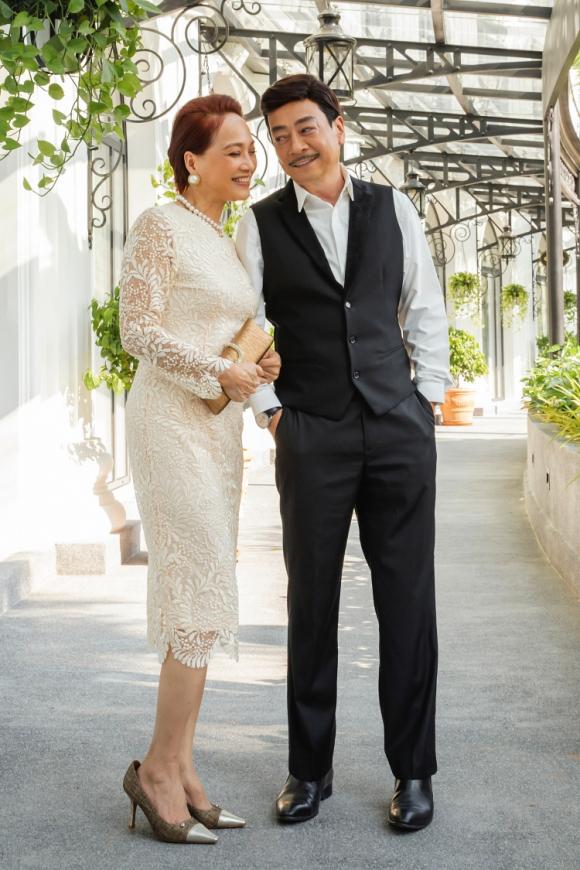 Gái già lắm chiêu V là dự án điện ảnh đầu tiên đôi bạn Hoàng Dũng và Lê Khanh kết hợp.
