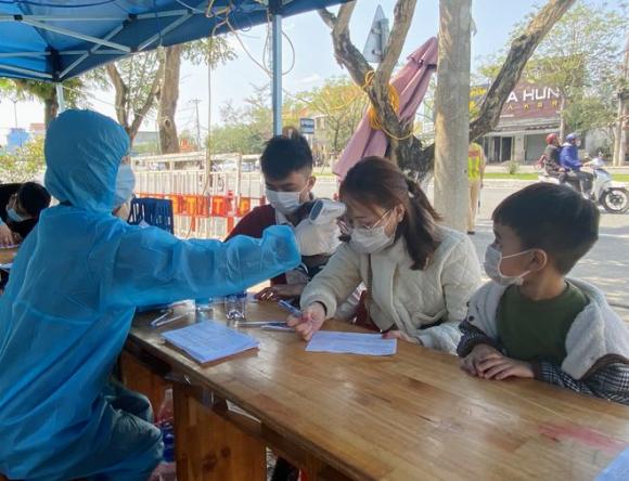 Đà Nẵng: Nam công nhân quê Hải Dương 'ăn nhậu khắp nơi, không khai báo y tế bất kỳ đâu' - ảnh 1