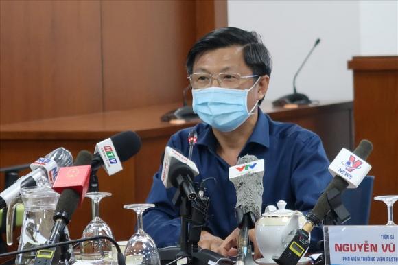 [NÓNG] 24 ca dương tính lần 1 với SARS-CoV-2, TP.HCM họp khẩn: Bộ Y tế lo lắng vì chưa xác định được khởi đầu chùm lây nhiễm - Ảnh 3.