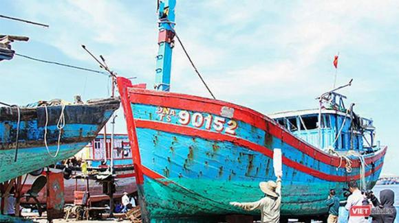 Tàu cá ĐNa90152TS của ngư dân Đà Nẵng bị tàu Trung Quốc đâm chìm trở thành bằng chứng cho thái độ hung hăng của Trung Quốc trên biển