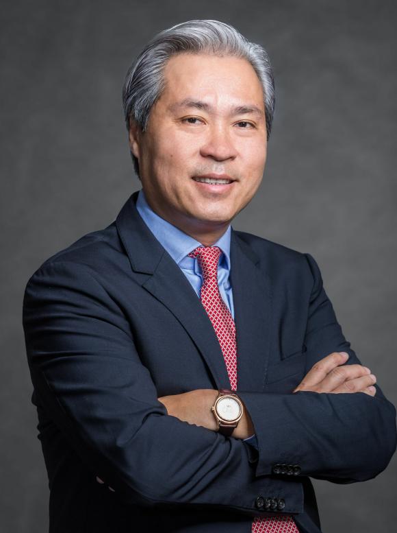 Ông Don Lam.