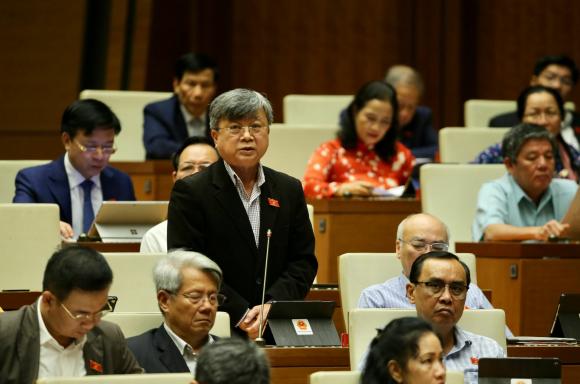 Đại biểu Quốc hội Thành phố Hồ Chí Minh Trương Trọng Nghĩa phát biểu.