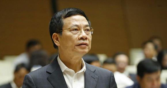 Bộ trưởng Bộ Thông tin và Truyền thông Nguyễn Mạnh Hùng trả lời chất vấn của các đại biểu Quốc hội.