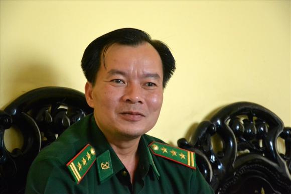 Thượng tá Lê Hoàng Việt- người phát ngôn Bộ chỉ huy Bộ đội biên phòng tỉnh An Giang. Ảnh: Lâm Điền
