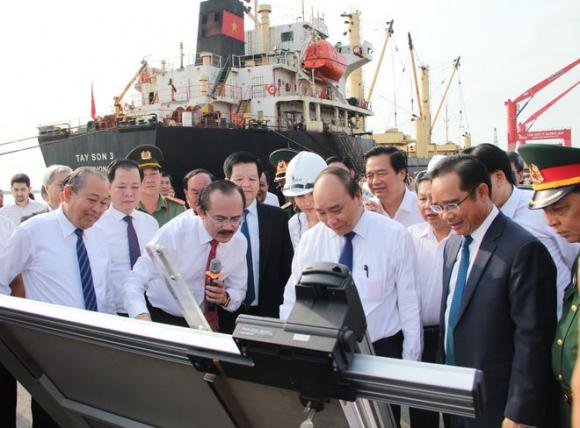 Thủ tướng khảo sát vị trí xây dựng Nhà máy điện Long An 3 tỉ USD - ảnh 1