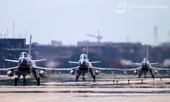 Bắc Kinh hành động chưa từng thấy: Quân đội Trung Quốc tập trận trên biển Đông suốt tháng 3 - Ảnh 1.