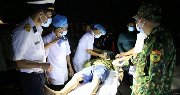 Biển đảo Việt Nam: Trung tâm Y tế đảo Trường Sa cấp cứu thành công ngư dân bị đột quỵ não