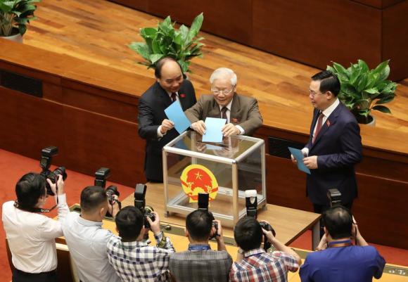 40 đại biểu không đồng ý miễn nhiệm Thủ tướng Nguyễn Xuân Phúc - ảnh 1