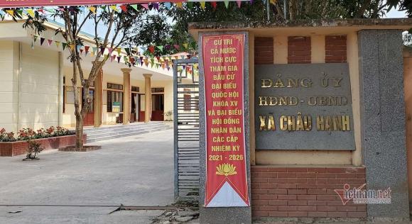 Vợ chồng, anh em giữ 5 chức vụ Chủ ᴛịcʜ trong một xã ở Nghệ An