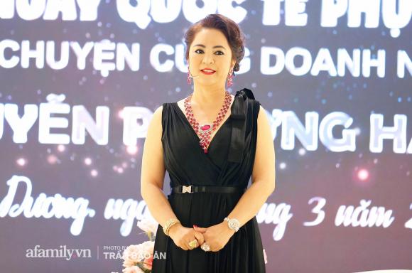 """Bà Phương Hằng - vợ Dũng """"lò vôi"""" khẳng định mình xa xỉ bậc nhất Việt Nam: """"Kim cương, sổ đỏ phải tính bằng ký, đi xe vài chục tỷ nhưng biết đủ!"""" - Ảnh 3."""