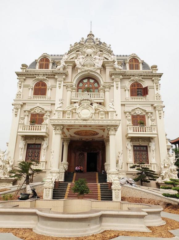 Lâu đài đồ sộ theo phong cách Tây của đại gia Việt: Đẳng cấp giàu có hay trưởng giả học làm sang? - Ảnh 13.