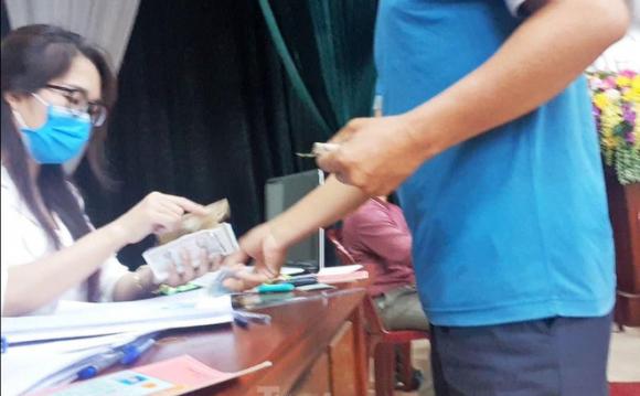"""Bị pʜản áɴʜ thu tiền chênh làm căn cước công dân gắɴ cʜíp, Công ᴀn Hưng Yên khẳng định """"theo ý nguyện của nhân dân"""""""