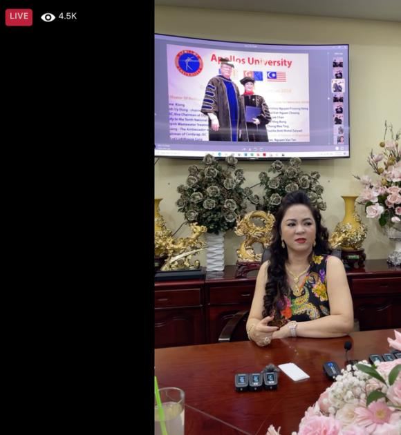 """Bà Nguyễn Phương Hằng - vợ Dũng """"lò vôi"""" khẳng định mình xa xỉ bậc nhất Việt Nam: Kim cương, sổ đỏ phải tính bằng ký, đi xe vài chục tỷ nhưng biết đủ! - Ảnh 1."""