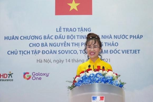 Bà Nguyễn Thị Phương Thảo tại buổi lễ trao Huân chương Bắc đẩu bội tinh do Nhà nước Pháp trao tặng