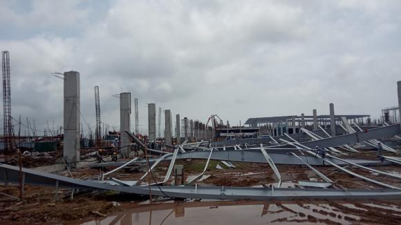 Doanh nghiệp Trung Quốc nói vụ sập giàn thép ở Quảng Ninh là do thời tiết - ảnh 1