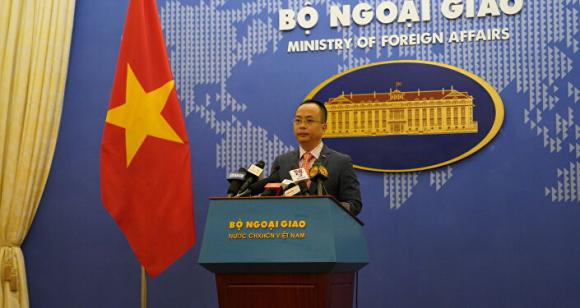 Phó phát ngôn viên Bộ Ngoại giao Việt Nam, ông Đoàn Khắc Việt tại họp báo thường kỳ ngày 29/04.