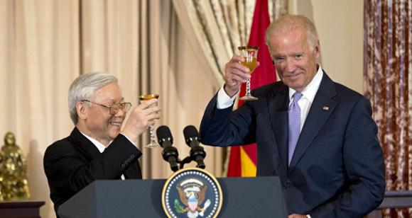 Joe Biden và Nguyễn Phú Trọng