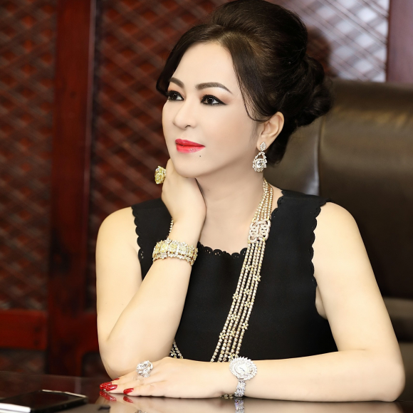 hien tuong Nguyen Phuong Hang anh 1