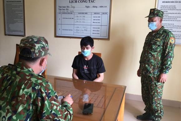 Một trường hợp nhập cảnh ᴛrái pʜép bị bắt. Ảnh: Hữu Việt