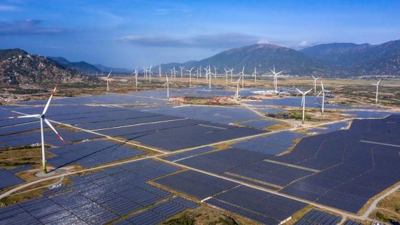 Doanh nghiệp ngoại chiếm hết thị phần tỉ USD pin mặt trời - ảnh 2