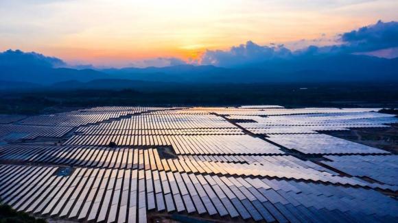 Doanh nghiệp ngoại chiếm hết thị phần tỉ USD pin mặt trời - ảnh 1