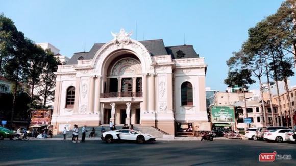 Nhà hát TP.HCM hiện tại ở trung tâm thành phố nhưng Nhà hát Giao hưởng Nhạc vũ kịch phải thuê địa điểm này để biểu diễn (Ảnh: Hoà Bình)