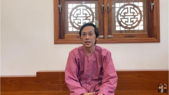 Hoài Linh nói ngày 19 đi xạ trị, ngày 20 về nhà cách ly, dân mạng phản ứng: Ngày 24 còn thấy anh đi khai trương nhãn hàng - Ảnh 1.