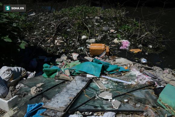 Đại dự án 7.000 tỷ đồng chống ngập cho 6 quận huyện phía Tây TP Hà Nội chậm tiến độ, ngập ngụa trong rác - Ảnh 15.