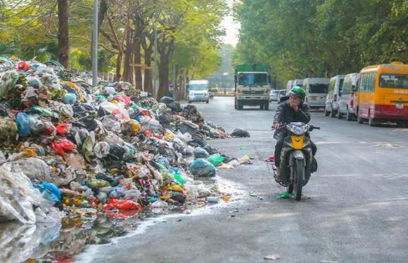 Soi năng lực của ông trùm Minh Quân - công ty thu gom rác nợ lương nhân viên 6 tháng - Ảnh 3.