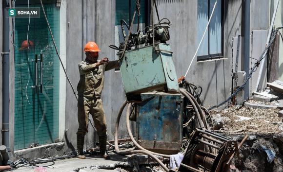 Đại dự án 7.000 tỷ đồng chống ngập cho 6 quận huyện phía Tây TP Hà Nội chậm tiến độ, ngập ngụa trong rác - Ảnh 10.