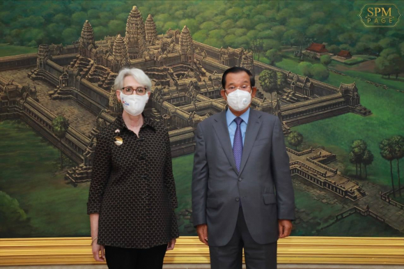 Thứ trưởng Ngoại giao Mỹ Wendy Sherman gặp Thủ tướng Hun Sen tại Phnom Penh /// Ảnh chụp màn hình Facebook Samdech Hun Sen