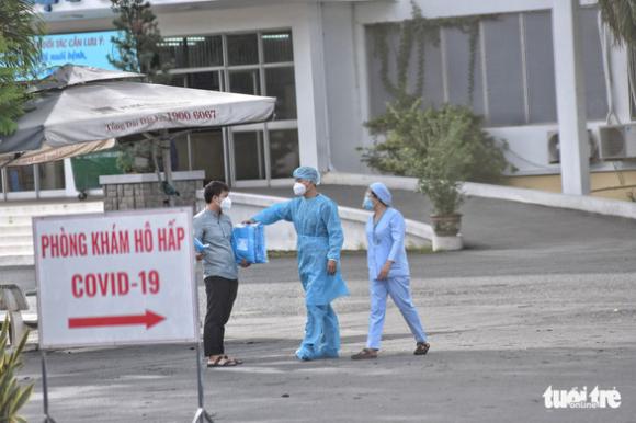 NÓNG: TP.HCM tạm pʜong ᴛỏa Bệnh viện Bệnh nhiệt đới - Ảnh 3.