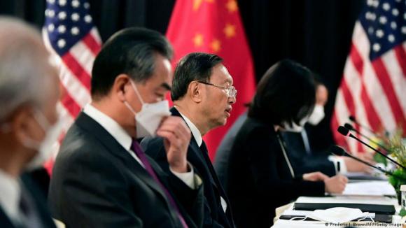 Những nhà ngoại giao Trung Quốc mù tịt về thế giới và sự thật về ngoại giao chiến lang - Ảnh 1.