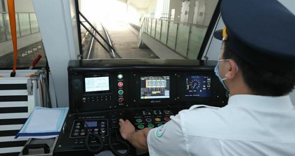 Tàu đường sắt tuyến Cát Linh - Hà Đông có tốc độ thiết kế tối đa 80 km/h.