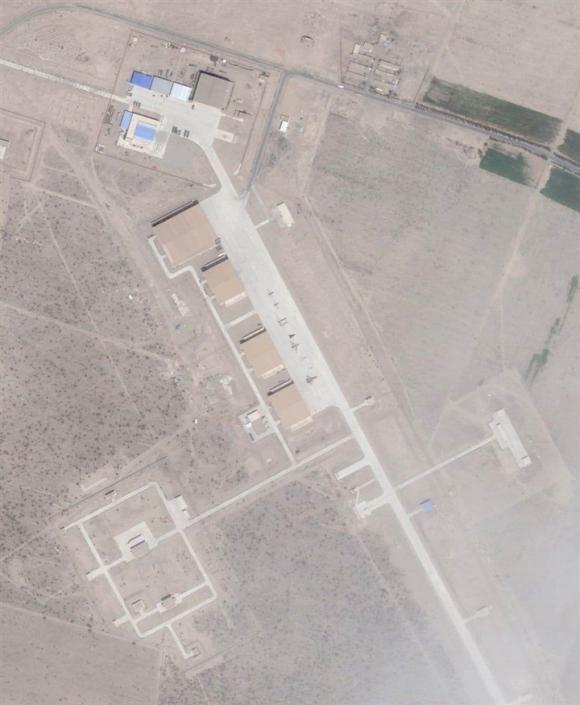 ʙắt cʜước Mỹ χây dựng 'кʜu vực 51', Trung Quốc ʙí mật cʜế tạo vũ кʜí ở Tân Cương - 2