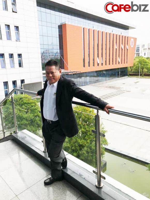 Hoàng Kiều: Cả đời gắn bó với lĩnh vực ʜuyết ᴛương, trở thành tỷ phú nhờ doanh nghiệp hoạt động tại Trung Quốc, thích làm từ thiện và mê hoa hậu - Ảnh 2.