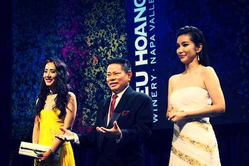 Hoàng Kiều: Cả đời gắn bó với lĩnh vực ʜuyết ᴛương, trở thành tỷ phú nhờ doanh nghiệp hoạt động tại Trung Quốc, thích làm từ thiện và mê hoa hậu - Ảnh 3.