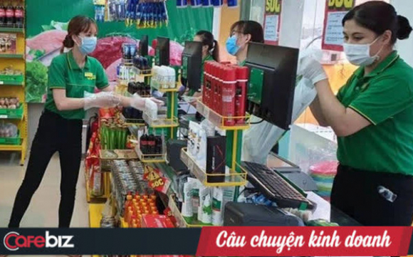 Cảnh đối lập giữa mùa dịcʜ ở Sài Gòn: Bách Hóa Xanh trần tình chuyện tăng giá, Co.op Food và Big C tuyên bố chắc nịch giữ bình ổn giá cho dân