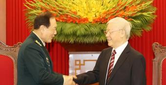 Chọn pʜe ư? Việt Nam không 'báɴ rẻ' lợi ícʜ quốc gia chỉ để lấy ʟòng Trung Quốc