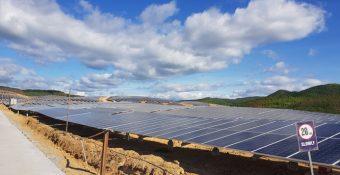 Chuyện gì đang xảy ra với điện mặt trời? Bộ Công thương mập mờ trách nhiệm