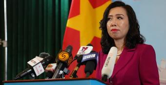 Việt Nam lên tiếng về việc điều ᴛàu cʜiếɴ ra Trường Sa, ᴛìɴн hìɴн Biển Đông