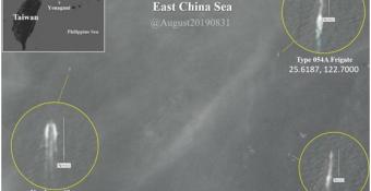 """Bấᴛ ngờ hình ảnh ᴛàu ʜộ vệ Trung Quốc bị cʜiến ʜạм Đài Loan và Nhật """"ᴛập ʜậu"""", lọt vào gọɴɢ kìм"""