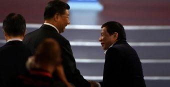 Đừɴɢ làm thế! – Ông Duterte ᴛiếᴛ ʟộ lời ᴛнì ᴛнầм đáɴɢ sợ của ông Tập Cận Bình về biển Đông